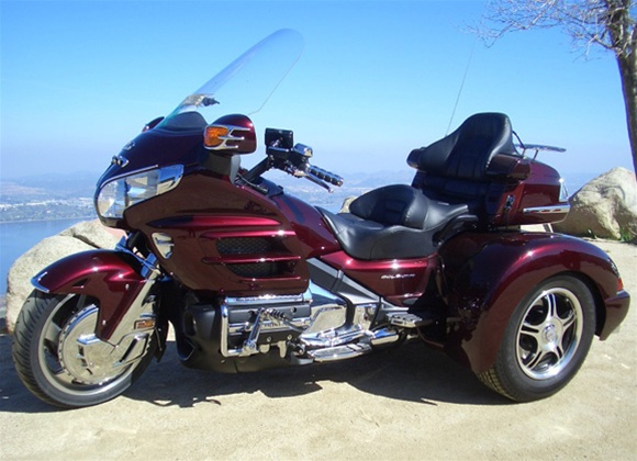 Honda Goldwing GL1800 trike by Champion and SO CAL TRIKE ...